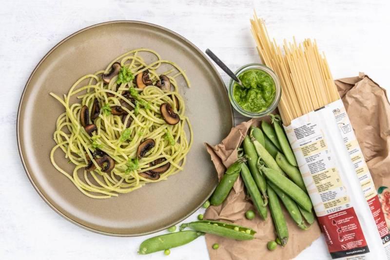 Spaghetti mit Erbsenpesto und gebratenen Pilzen (Foto: Thomas Vonier)